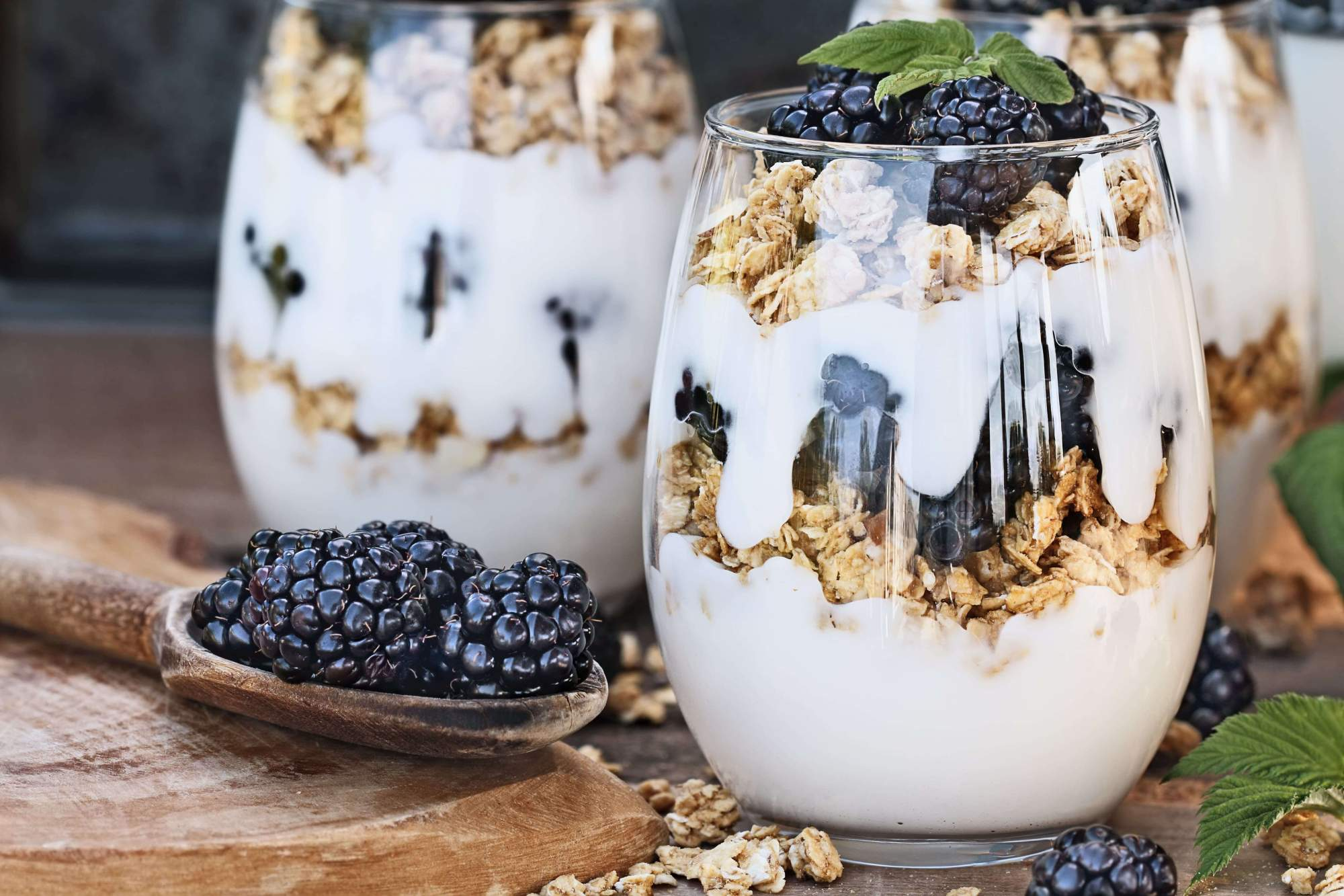 Blackberry granola yogurt for breakfast in this week's meal plan.