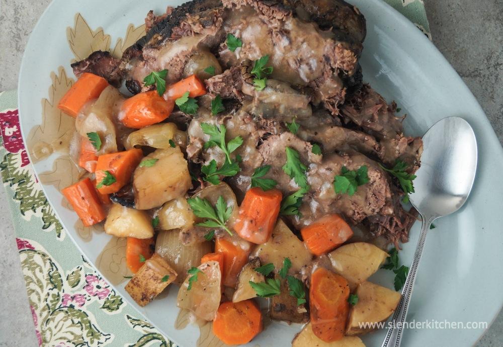 Roast crock pot recipes with carrots and potatoes