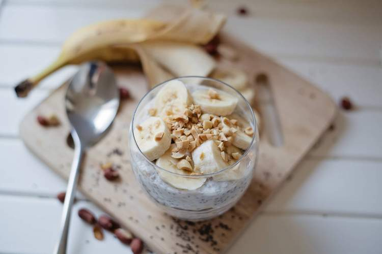 Chia seeds used in a pudding with banana and hazelnuts.