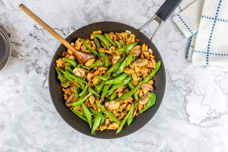 Spicy ground turkey stir fry with green beans and mushrooms.