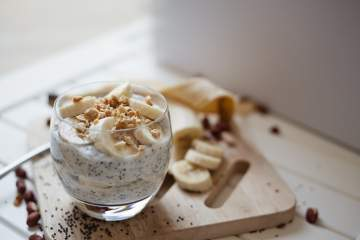Whole30 Banana Almond Butter Chia Seed Pudding packed with natural sweetness, protein, and fiber to keep you full all morning without eggs!!