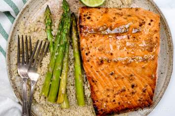 This Broiled Salmon with honey mustard garlic sauce is ready in less than 15 minutes and so delicious. Learn how to broil salmon and get perfectly cooked fish every time.