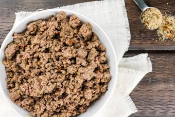 Homemade Italian Sausage Seasoning is the perfect thing to make healthier sausage meat at home using ground beef, turkey, chicken, or pork.