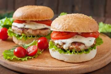 Healthy Ranch Turkey Burgers made with just three ingredients is a classic restaurant recipe made at home with less fat, calories, but still all the same great flavor. With just 170 calories (1 Weight Watchers SmartPoints), these ranch burgers are ready in 15 minutes and taste amazing.