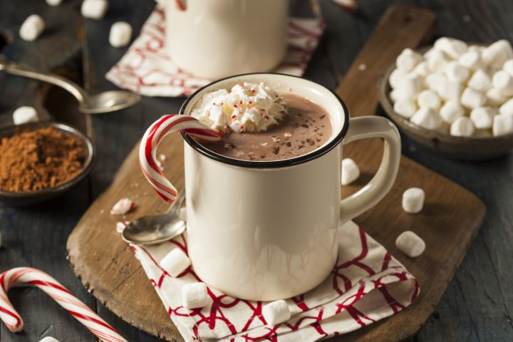 Healthy Peppermint Mocha that you can make at home in less than 5 minutes for just 62 calories and tastes as good as your favorite cafe.