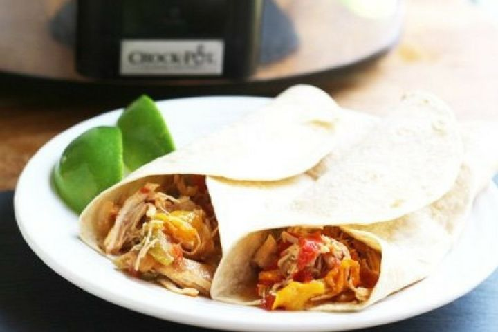 Slow Cooker Chicken Fajitas make a healthy and easy dinner with plenty of chicken, bell peppers, onions, and a homemade fajita seasoning mix.