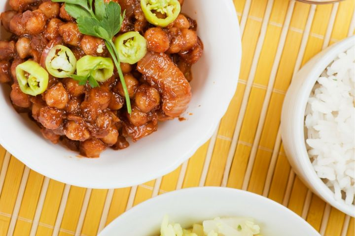 Slow Cooker Sweet and Spicy Chickpeas are healthy, Asian inspired meatless meal that can be made with items already in your pantry.