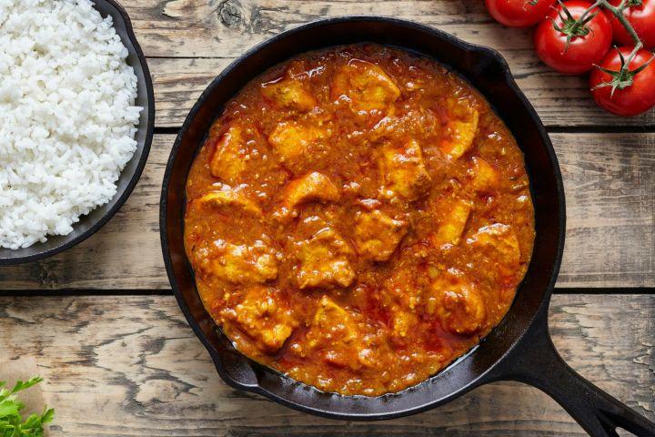Tomato Braised Chicken Thighs