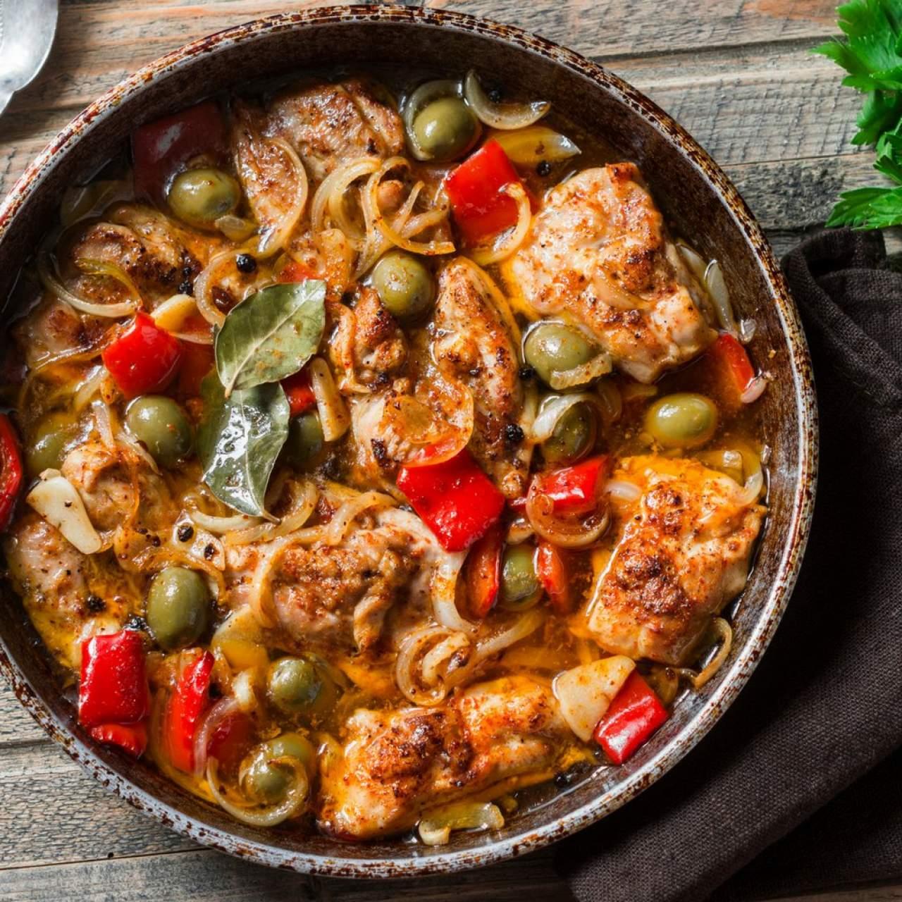 Slow Cooker Mediterranean Chicken - Slender Kitchen