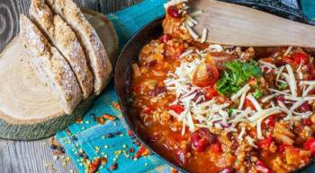 Pepperoni Pizza Chili (Stove Top or Slow Cooker)
