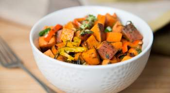 Sweet Potato Breakfast Hash with bell peppers, zucchini, onion, and turkey sausage makes a seriously delicious and healthy breakfast. Add eggs, cheese, avocado or any of your favorite toppings all for under 200 calories.
